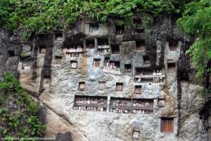 Lemo, Toraja Stone Grave